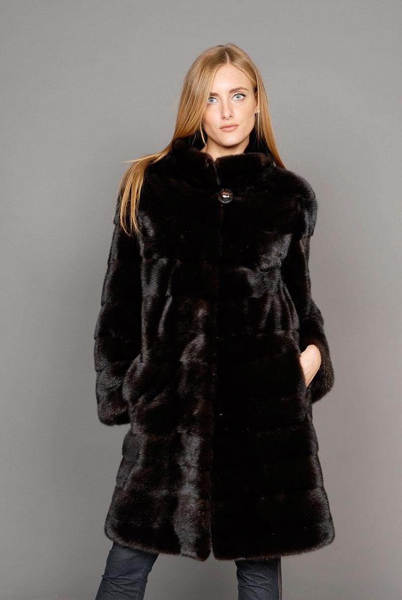 purchase cheap b4e1e b6e2e Collezione moda pelliccia giacche e cappotti Firenze